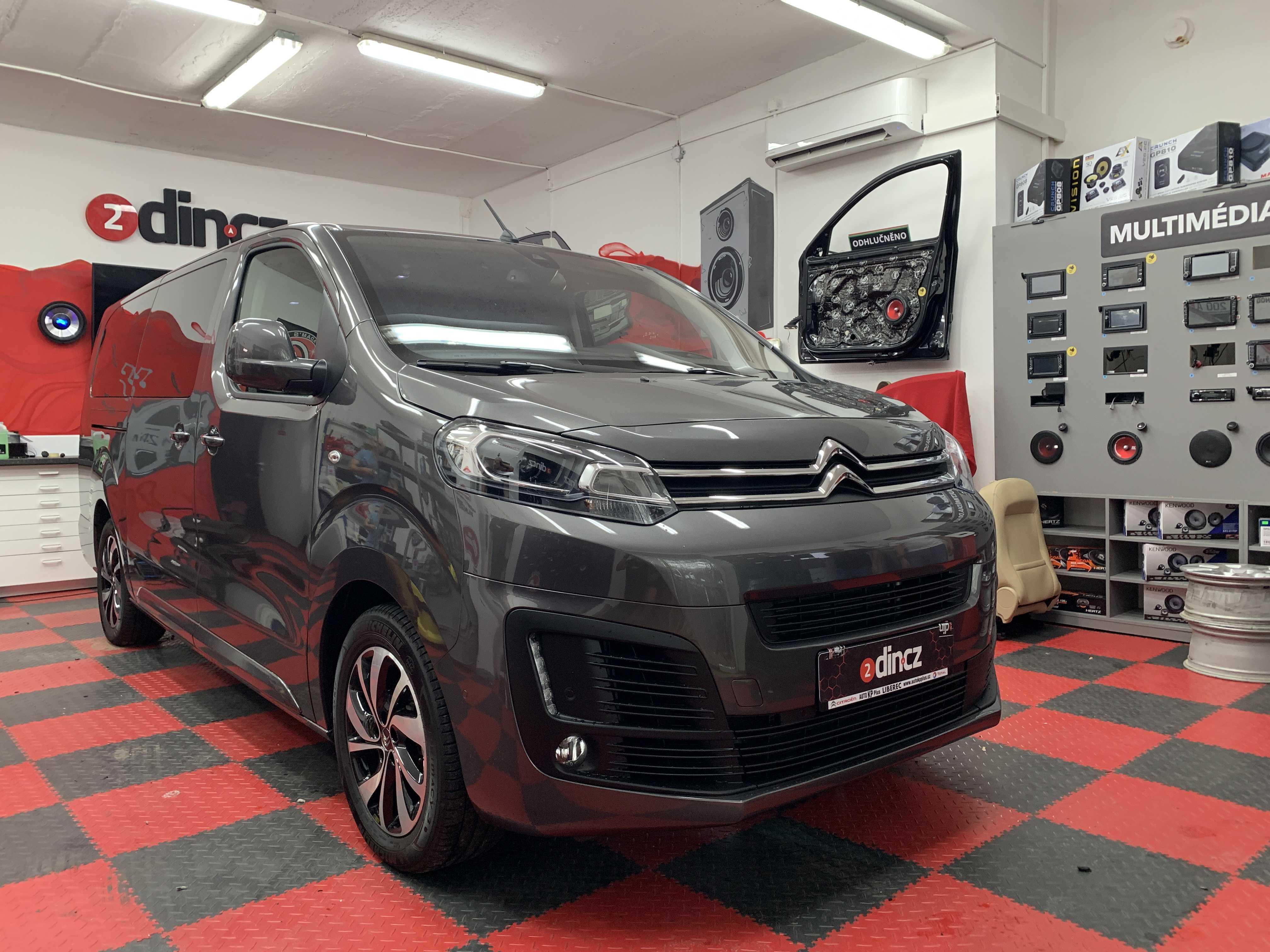 Citroën Space Tourer - Výměna reproduktorů a odhlučnění dveří