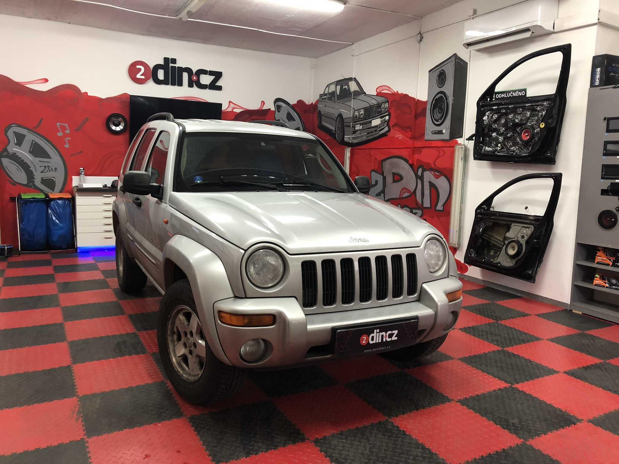 Jeep Cherokee - Montáž 1din rádia