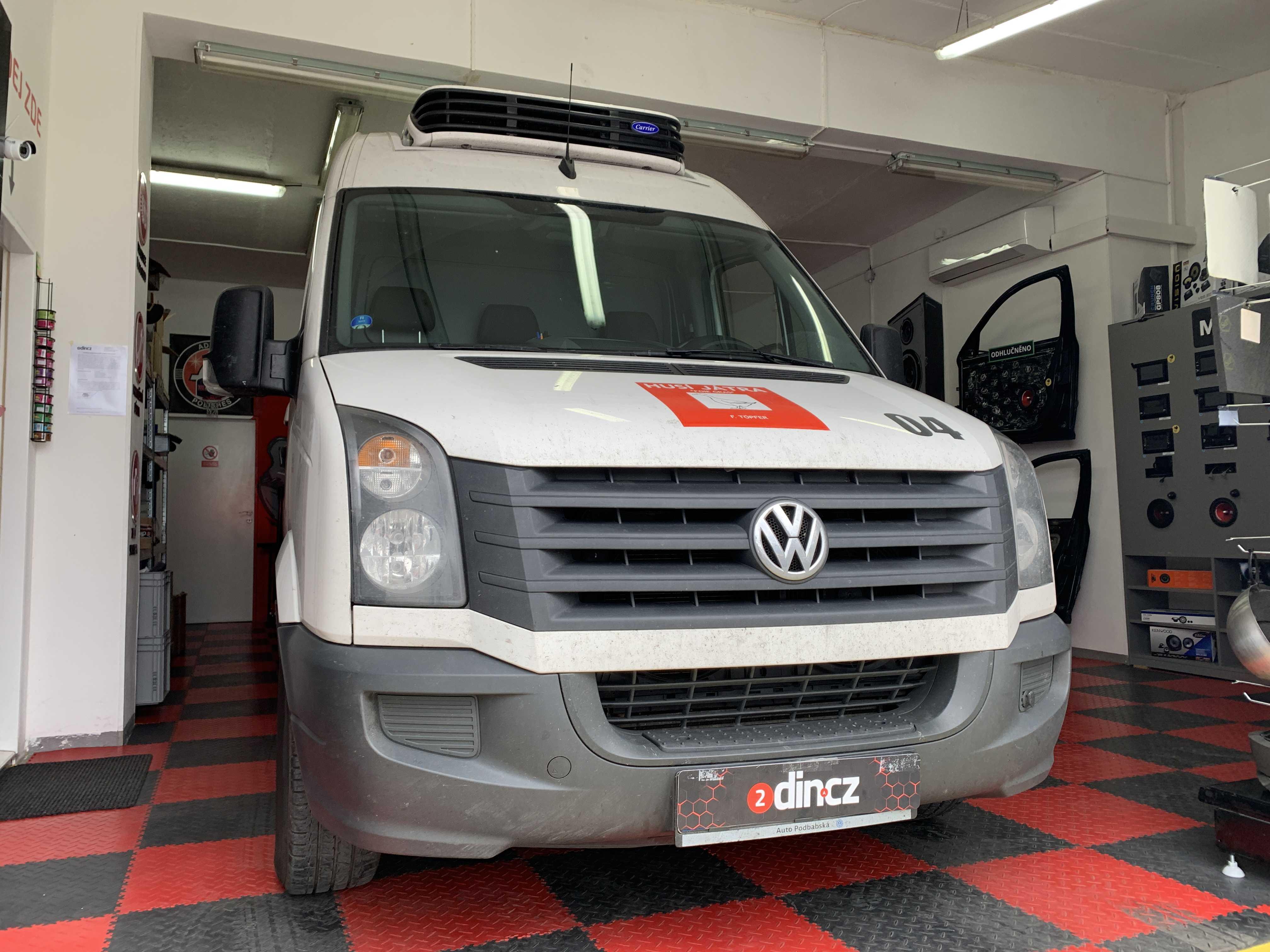 VW Crafter - Montáž autorádia s navigací
