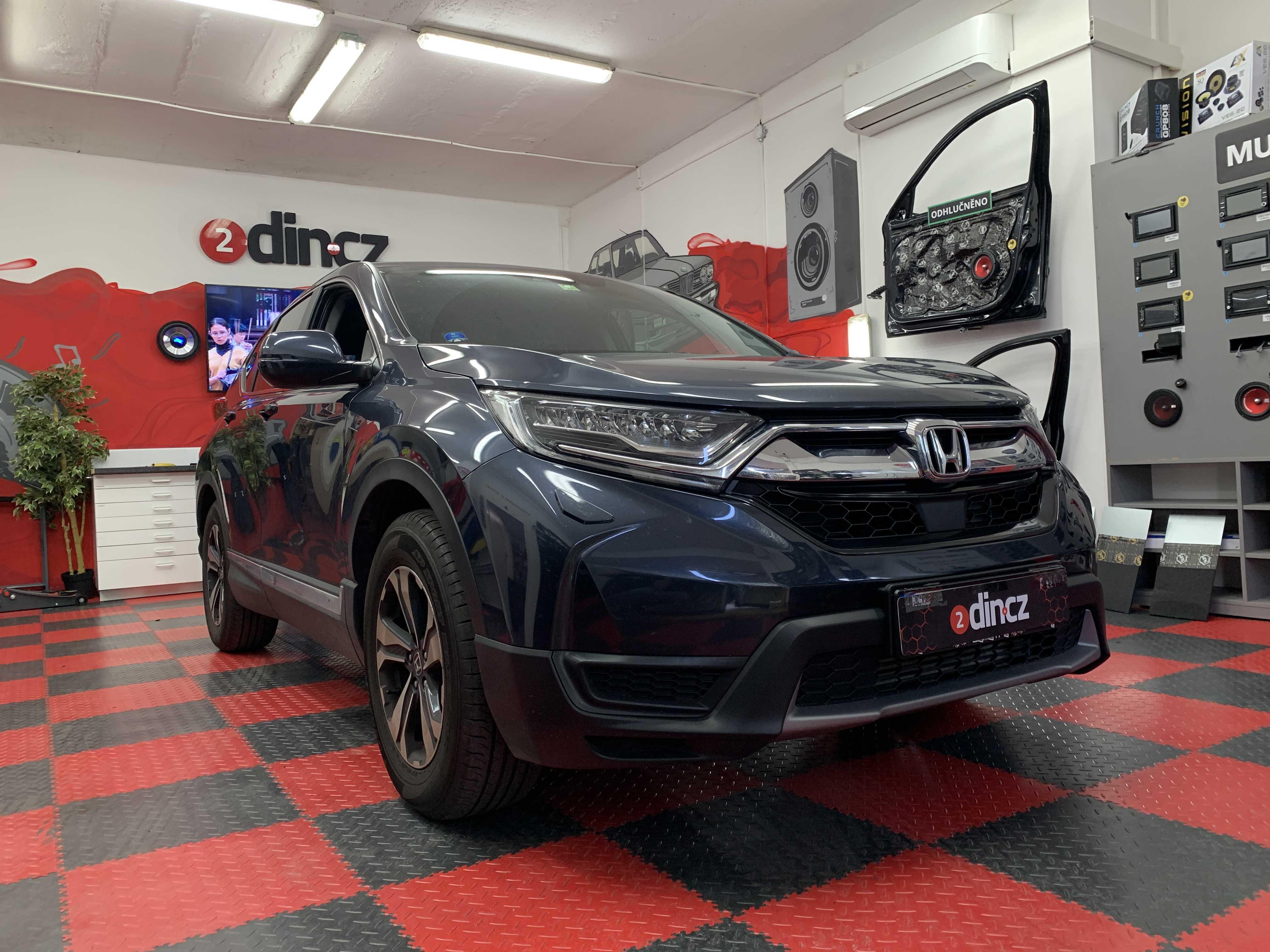 Honda CR-V - Montáž couvací kamery