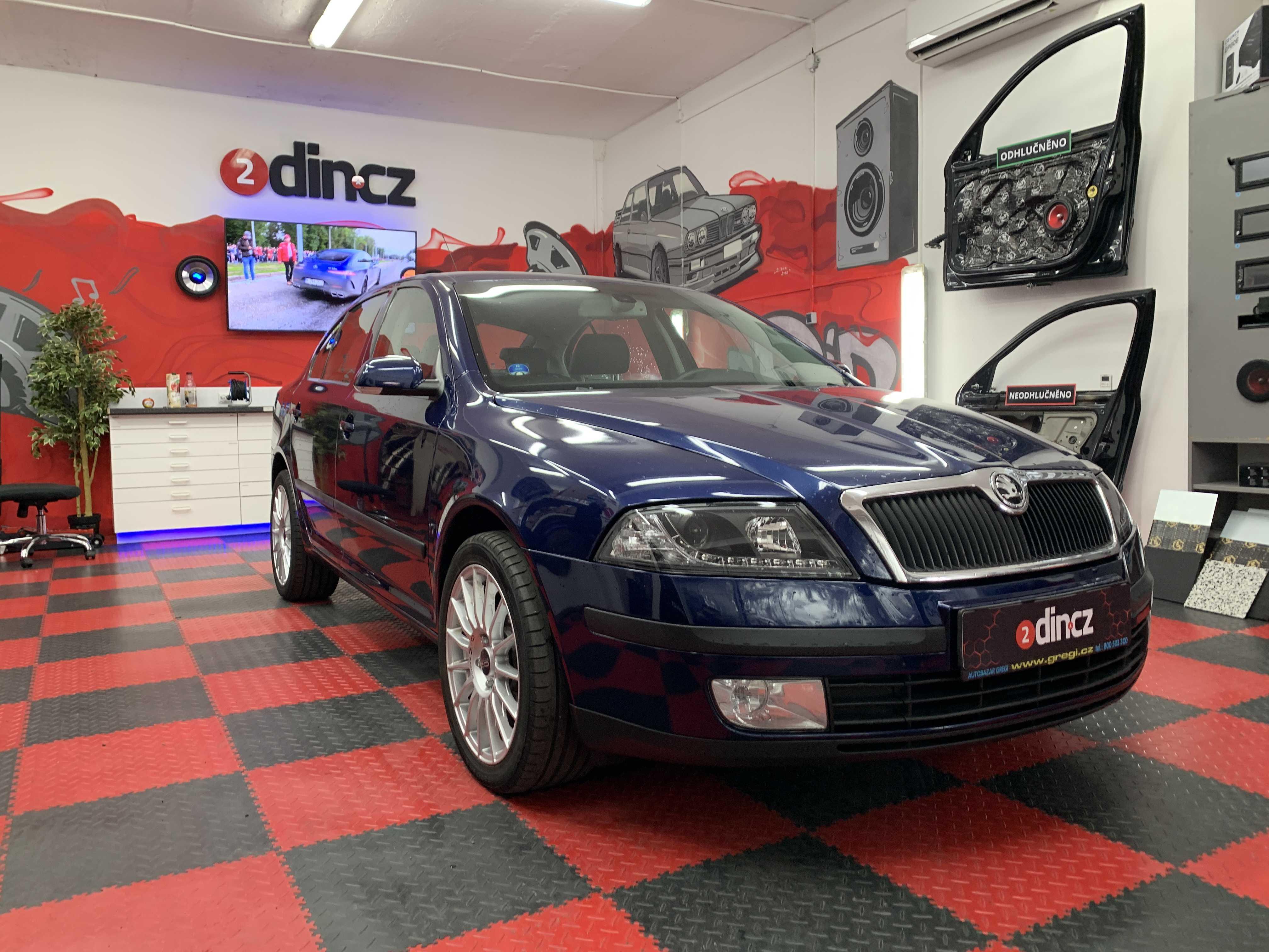 Škoda Octavia II - Montáž rádia Macrom