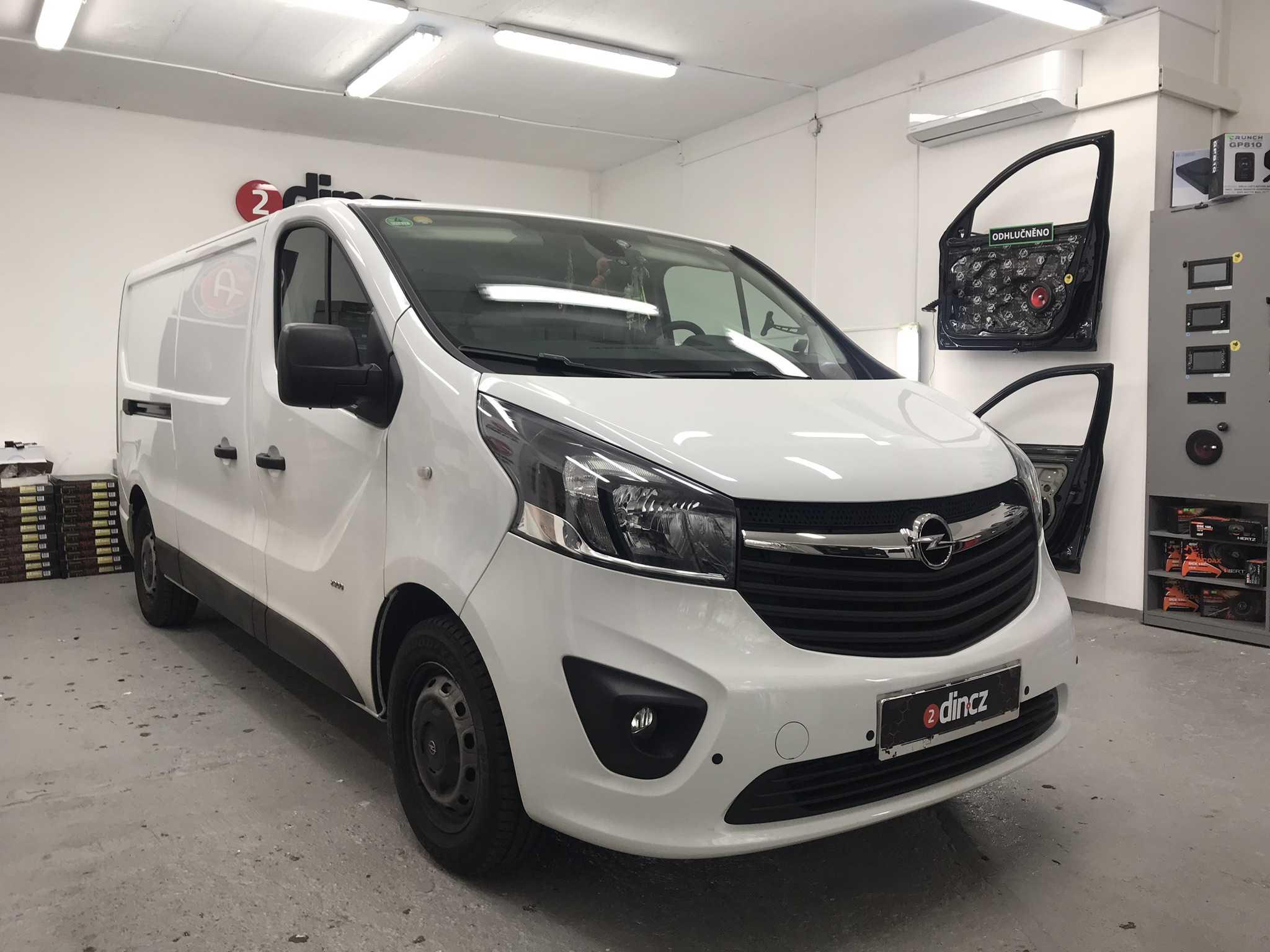 Opel Vivaro - Montáž couvací kamery do 3tího brzdového světla