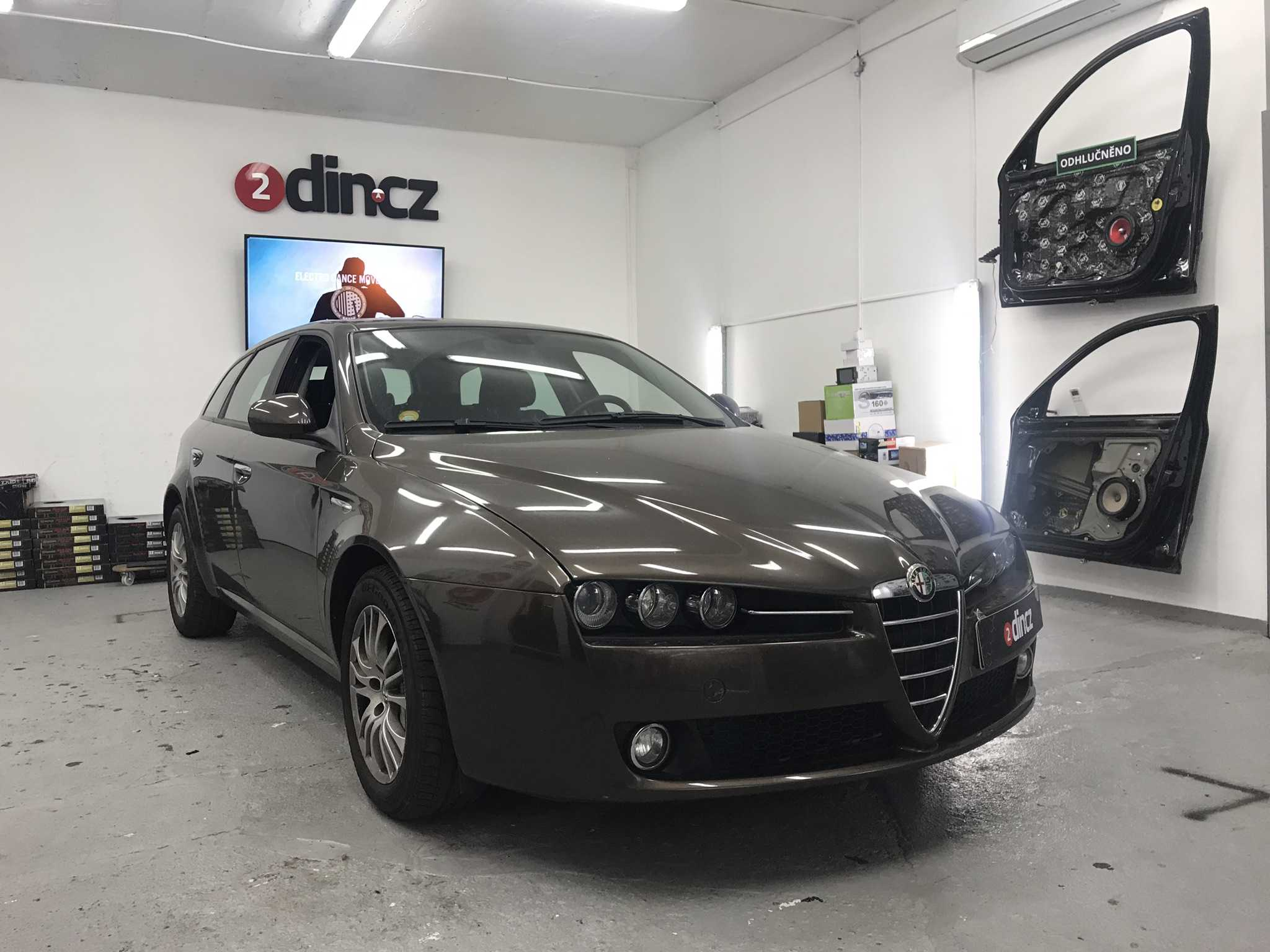 Alfa Romeo 159 - Montáž 2din autorádia s GPS