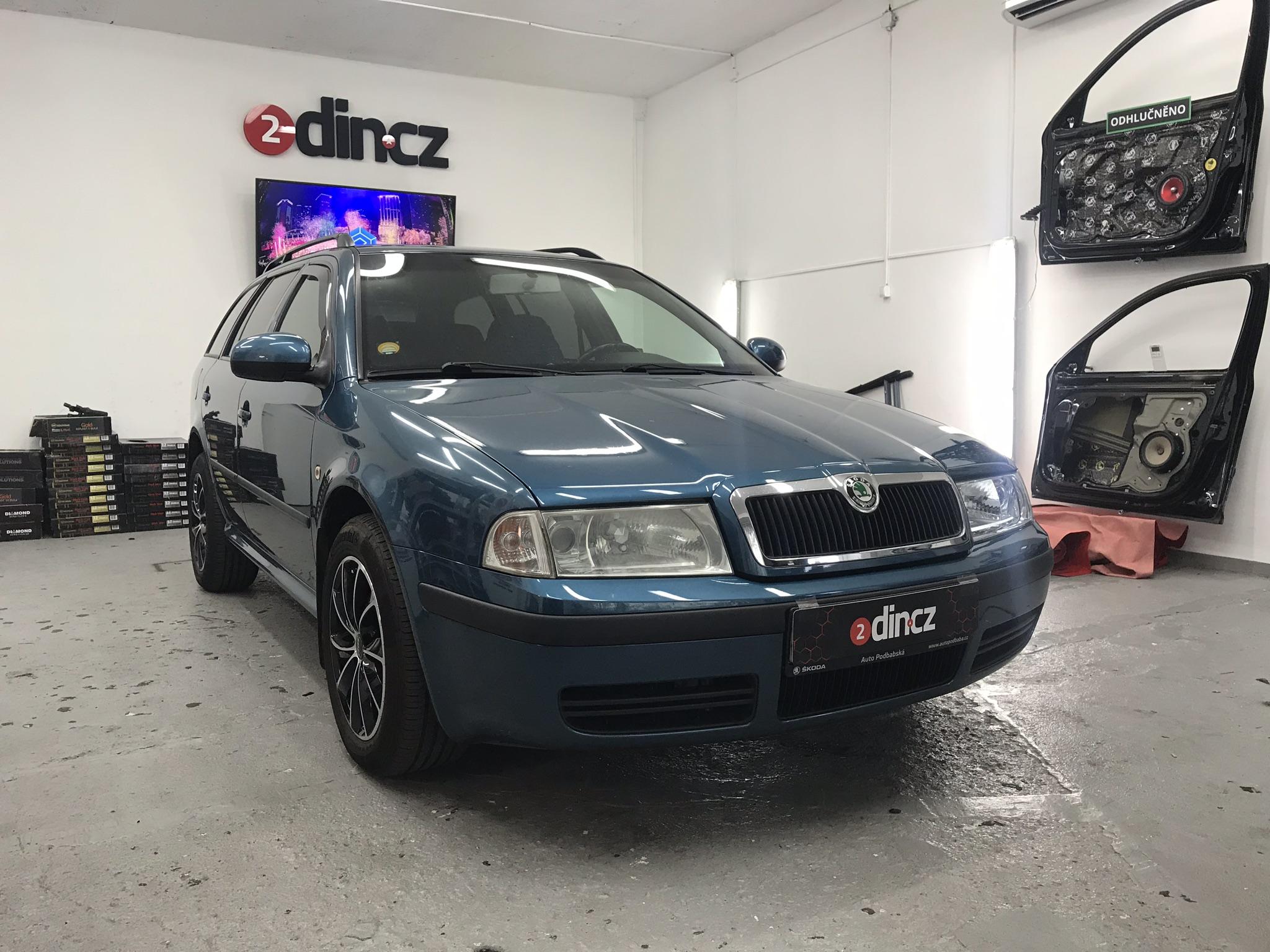 Škoda Octavia I - Montáž Reproduktorů, autorádia a vytlumení dveří