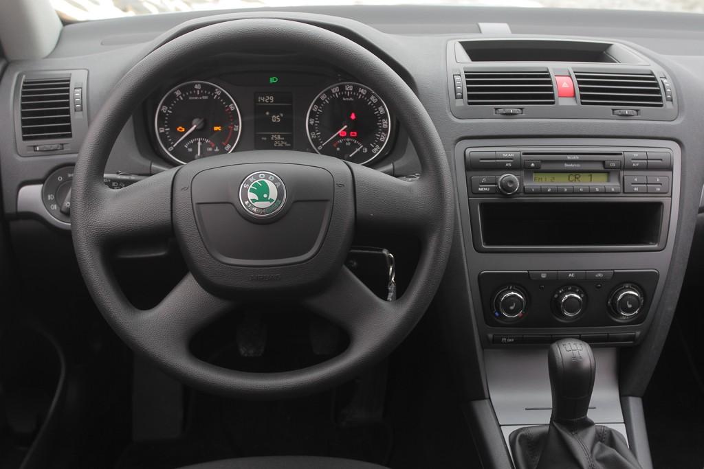 Co je potřeba k instalaci autorádia do Škoda Octavia II ?