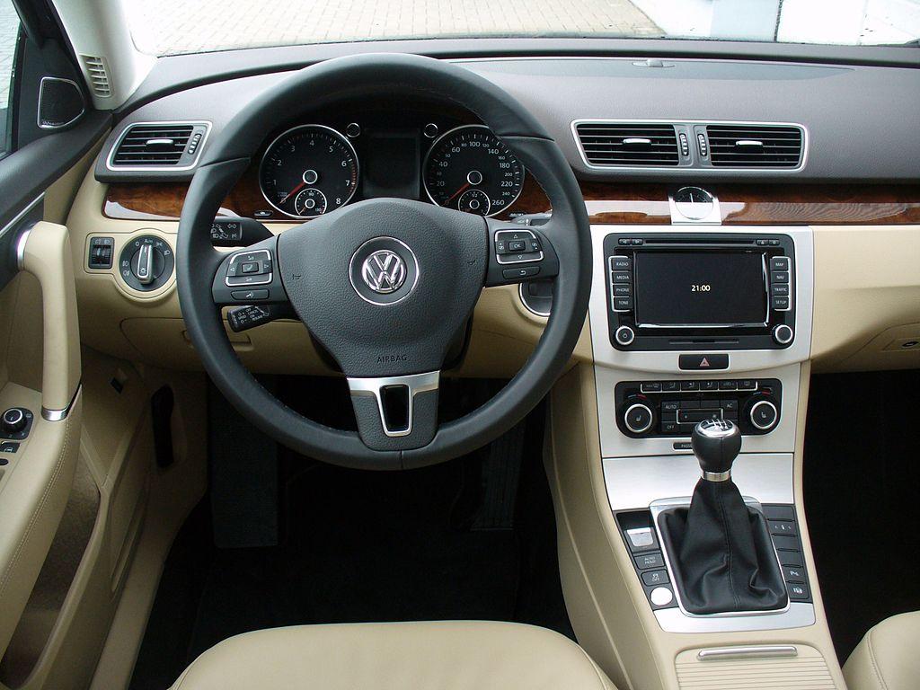 Co je potřeba k instalaci autorádia do VW ?