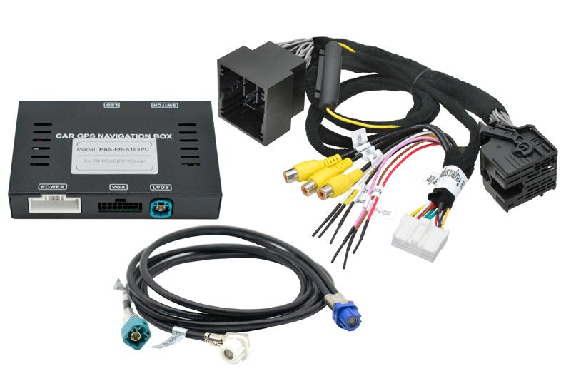 Univerzální adaptéry pro zapojení parkovací kamery