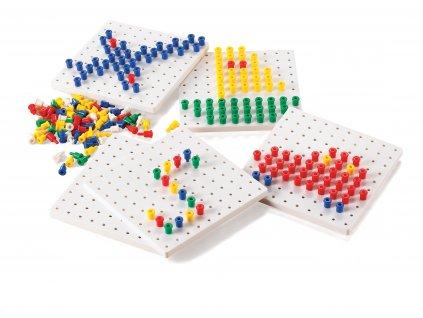 Set hracích desek s barevnými kolíčky