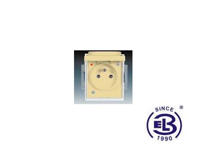 Zásuvka jednonásobná s ochranným kolíkem, s clonkami, s víčkem, s ochranou před přepětím Element, slonová kost/ledová bílá, řazení 2P+PE, 5598E-A0299921 ABB