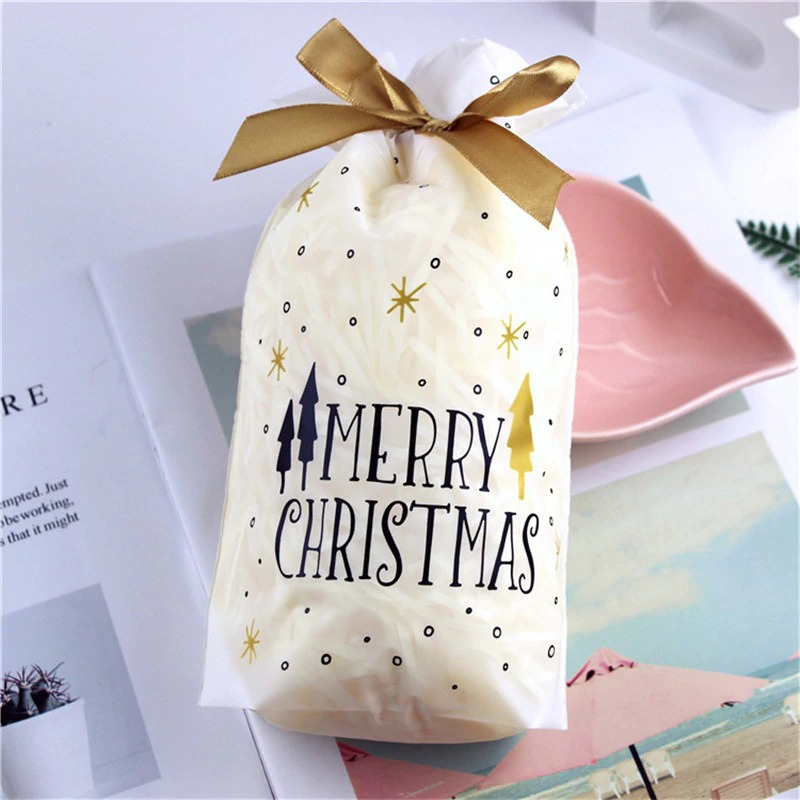 white merry bags_0-pcs-santa-gift-bag-candy-bag-snowflake_variants-2