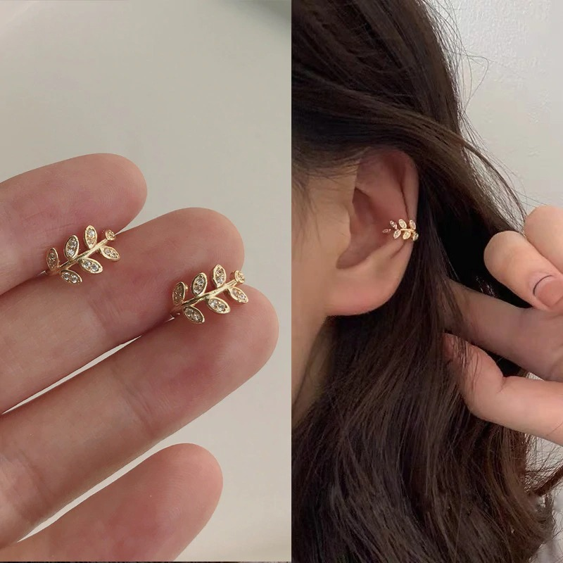 fashion-gold-leaf-clip-earring-for-women_main-0