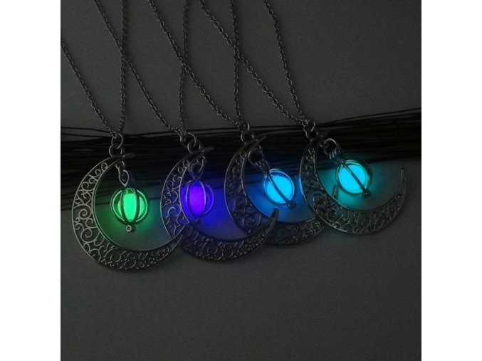 Svíticí náhrdelník s měsícem