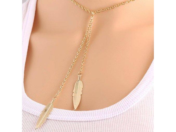 Pozlacený náhrdelník s pírky
