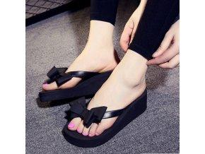 Dámské pantofle na klínku