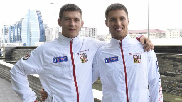 Bratři v triku v Baku