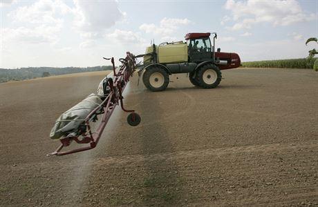 Nebezpečný herbicid je všude