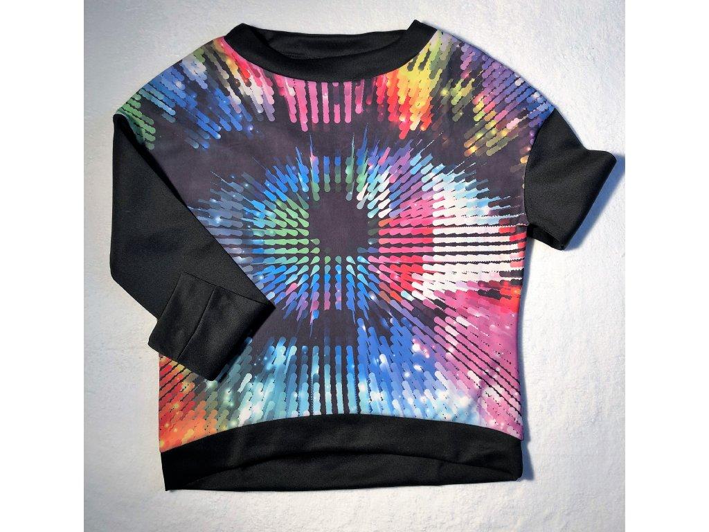 Tričko s barevným obrázkem, volnějšího střihu