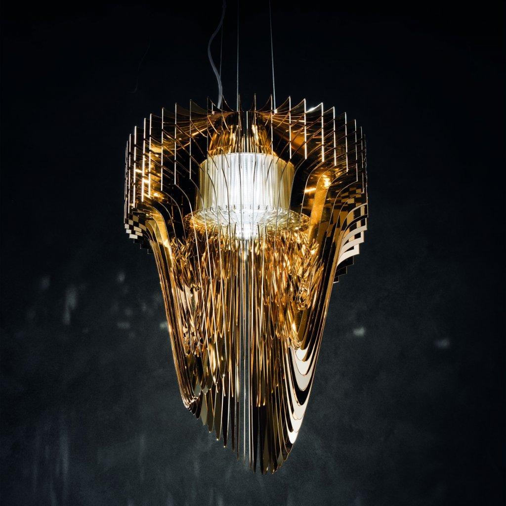 Slamp Aria S gold, závěsný světelný objekt od Zaha Zadid, 35W LED 2700K, délka 75cm