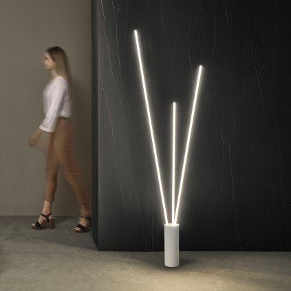 Mantra Vertical, stmívatelná bílá stojací lampa se třemi prvky, LED 60W 3600lm 3000K, výška 180cm