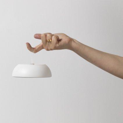 Axo Light Float, bílé multifunkční svítidlo na baterii, 3,5W LED 2700K stmívatelné, prům.13,5cm, IP55