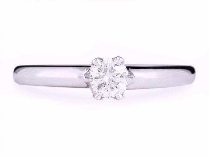 Zásnubní prstýnek zlatý s přírodním diamantem