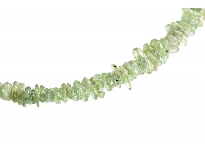 kyanit zelený