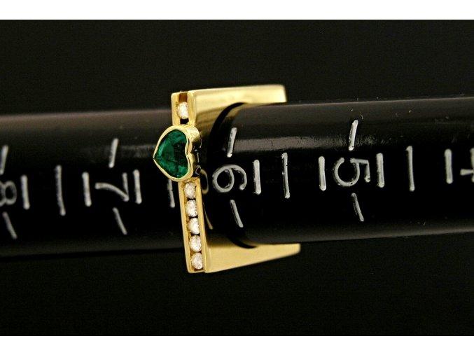 Prstýnek zlatý zelené srdíčko s přírodními diamanty