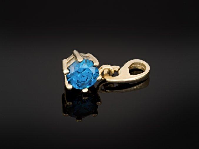 Zlatý přívěsek s modrým kamínkem