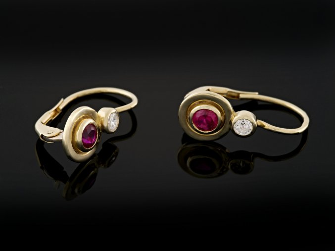 Náušnice zlaté s rubíny