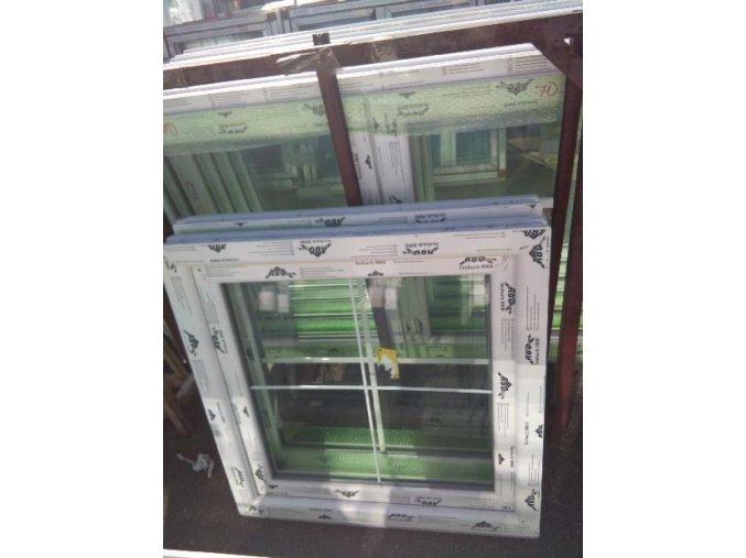 okno 90x90 mřížka