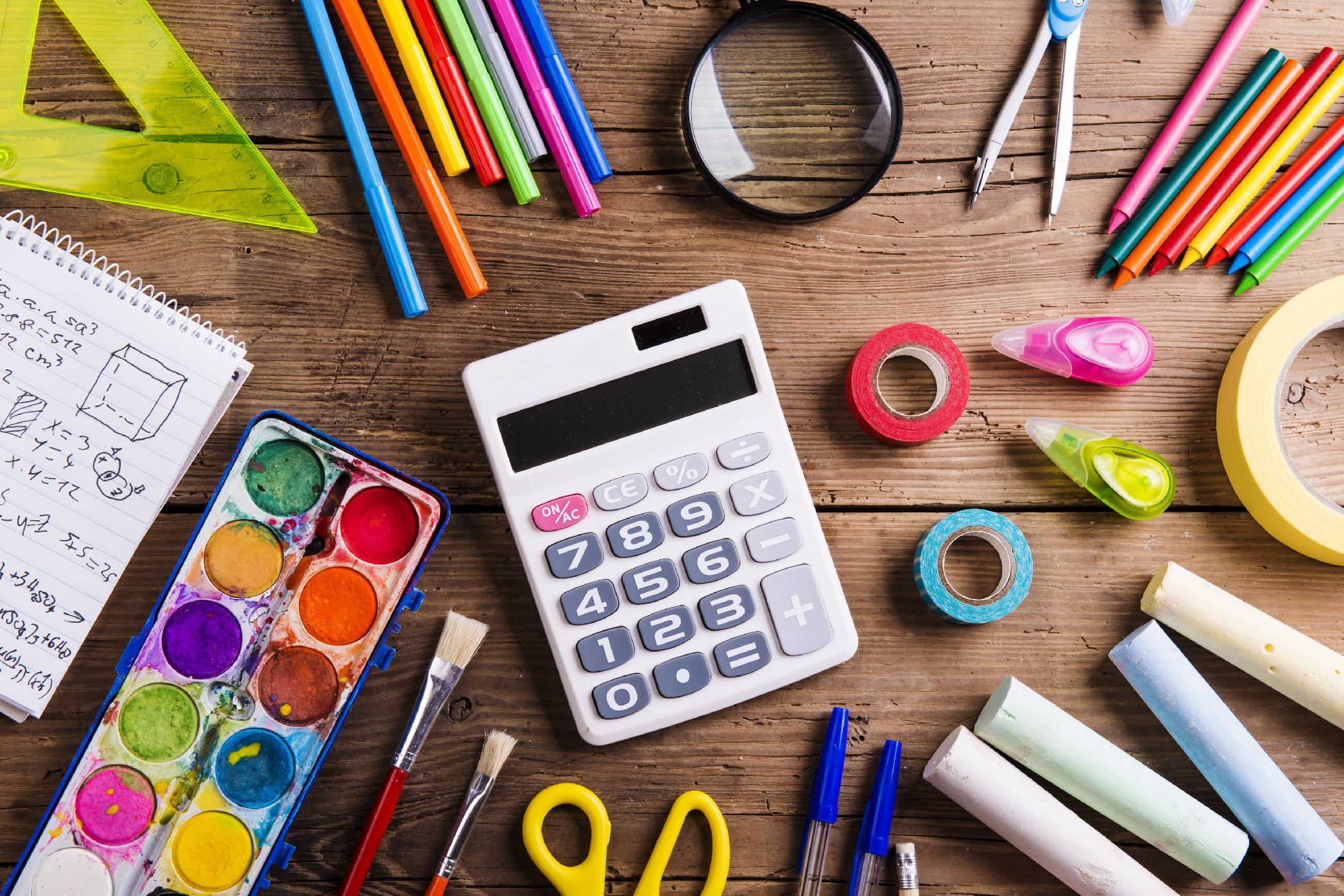 Školní a kancelářské potřeby