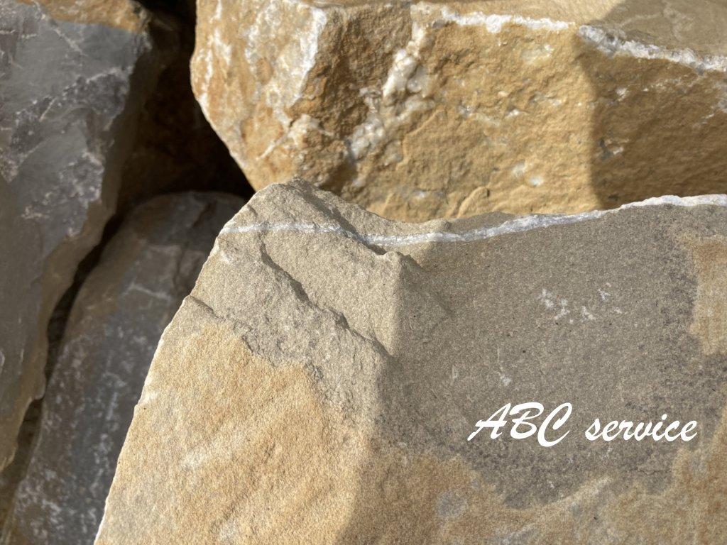 kameny na suche zitky zluty piskovec 1024x768 1