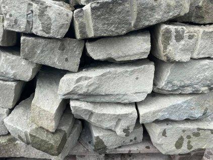 kameny na suche zitky zluty piskovec sedy pl 1024x768 1