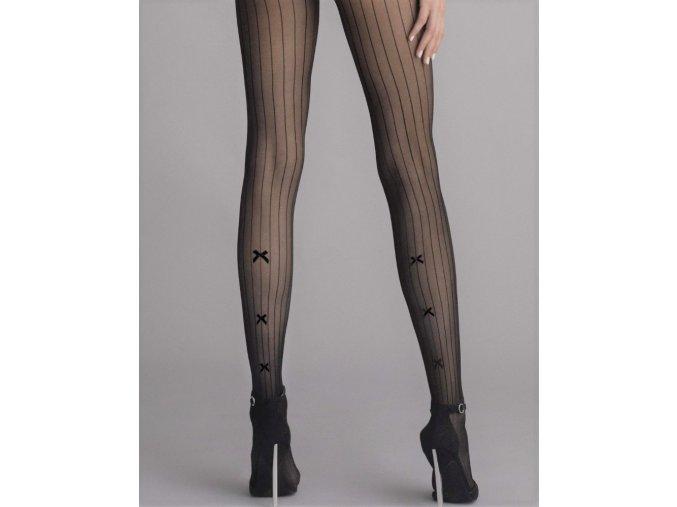 Čierne priehľadné pančuchové nohavice s čiernym vzorom. Vzor - pravidelné zvislé pruhy v zadnej časti na lýtkach mašličky. Nohavičková časť je zdobená. Pančuchy bez zosilneného sedu a bez zosilnenej špičky.vzorované, priehľadné, moderné