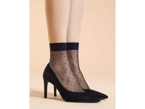 Dámske bodkované ponožky Trinity 20 DEN, 88% polyamid, 12% elastan.Dámske ponožky s pravidelným vzorom - bodky. Ponožky sú priehľadné, čierne a čierny vzor. Bez zosilnenej špičky a bez zosilnenej päty.
