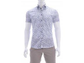 Biela košeľa s výrazným kvetinovým vzorom