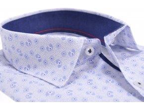 Biela košeľa so svetlomodrým vzorom
