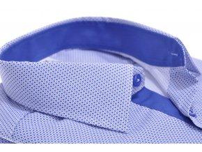 Košeľa s výrazným modrým vzorom