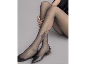 Elegantné čierne pančuchové nohavice. Po stranách na kotníku vzor, strieborno - lurexový. Pančuchy bez zosilneného sedu a bez zosilnenej špičky.vzorované, priehľadné, elegantné