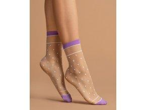 Bodkované ponožky Liz 15 Den, Dámske ponožky Liz s jemnými bodkami . Ponožky sú ukončené s oboch stran lemom svetlofialovej farby. Model sa hodí k nohaviciam, tak aj k vzdušným šatám. vzorované, beztlakové, 60% polyamid, 5% elastan, 35% polypropylén