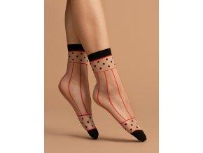Dámske vzorované ponožky Spicy 15 Den, 81% polyamid, 4% elastan, 15% polypropylén, univerzálna veľkosť one size, poudre/red (púdrová, červená) vzorované, elegantné,čierna spevnená špička, čierny lem, elegantné červené prúžky  ukončujú čierne bodky.