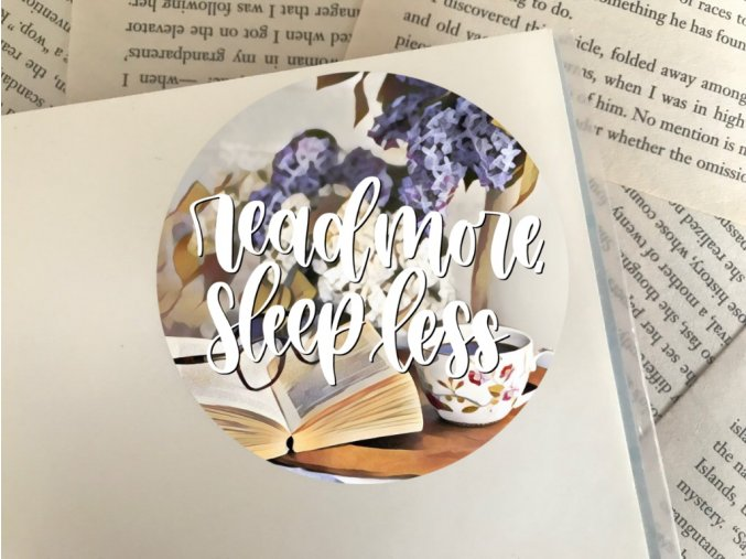 Nálepka: read more, sleep less