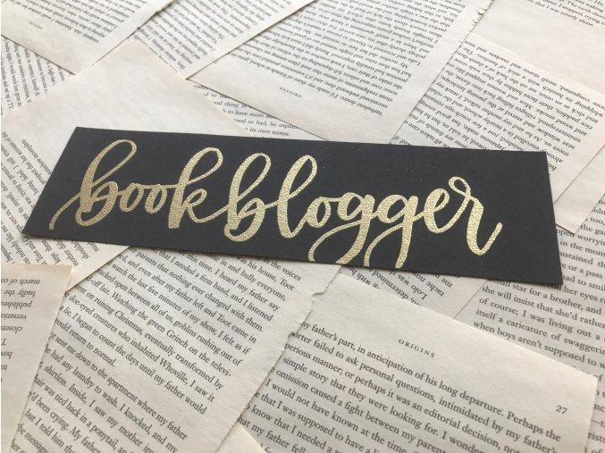 Embosovaná záložka: bookblogger