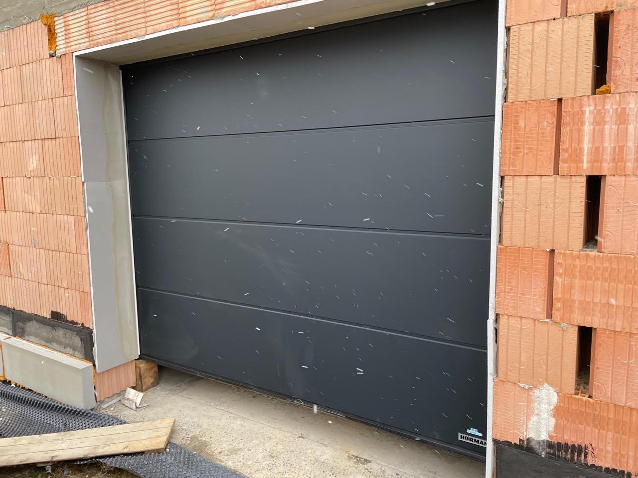Jak vybírat barvu garážových vrat?