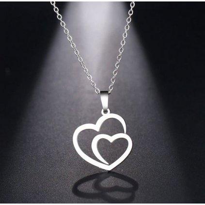 Přívěsek s řetízkem- spojená srdce