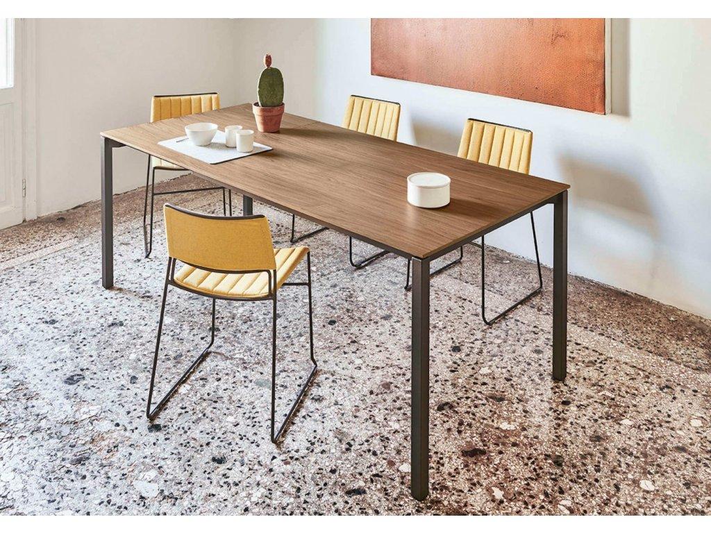 Rozkládací jídelní stůl More 100-140 cm