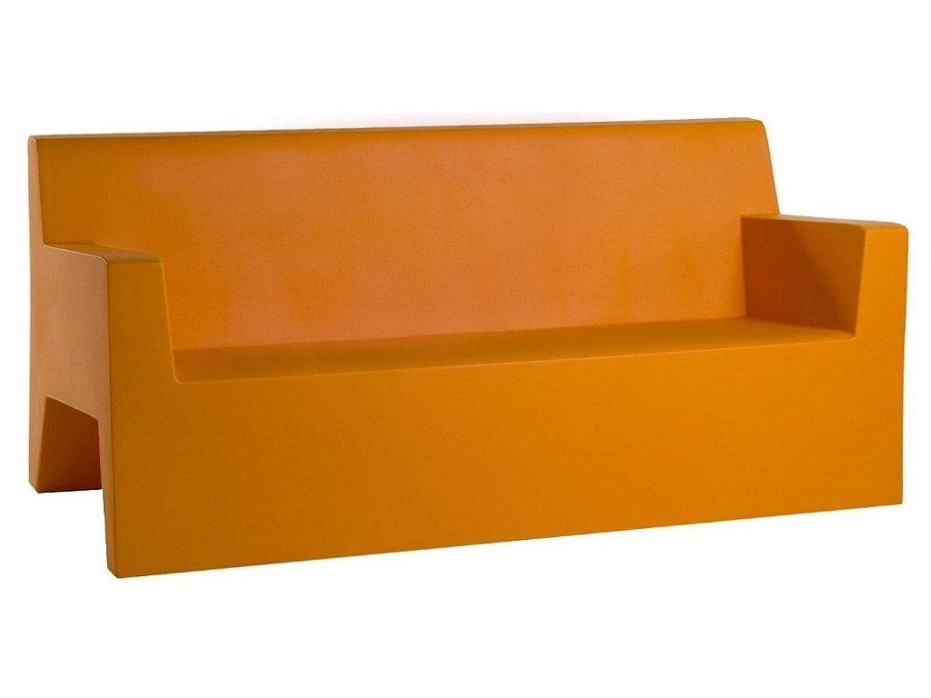 Moderní lavička Jut Silla