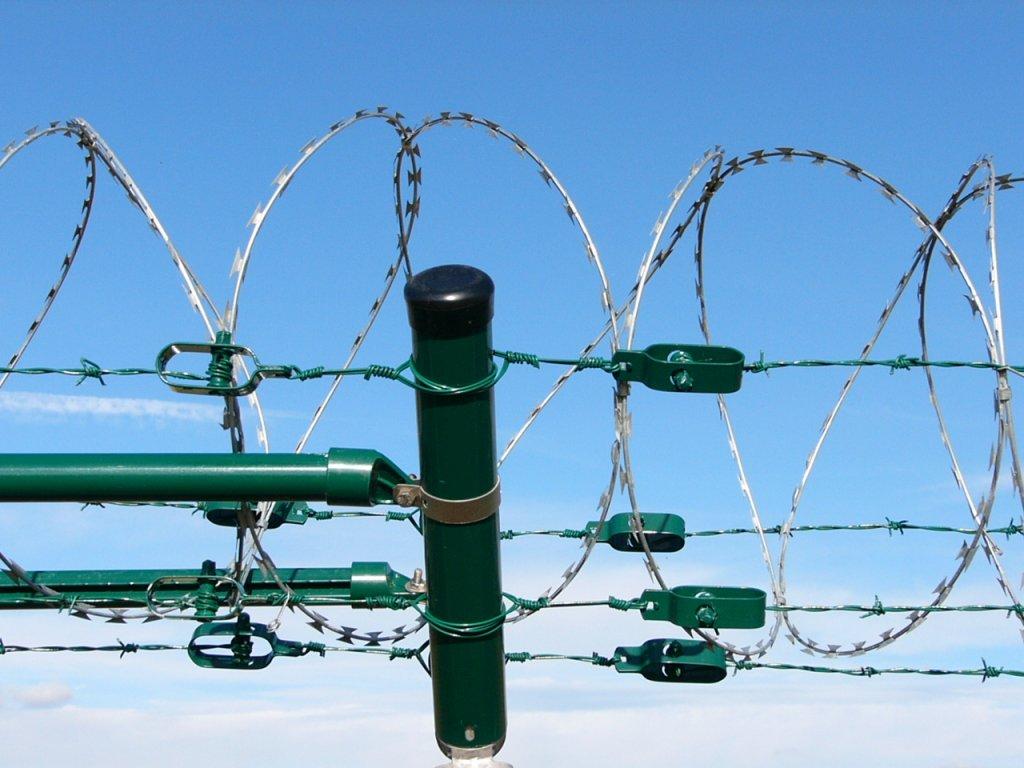 Ostnatý drát 100 m ZN+PVC