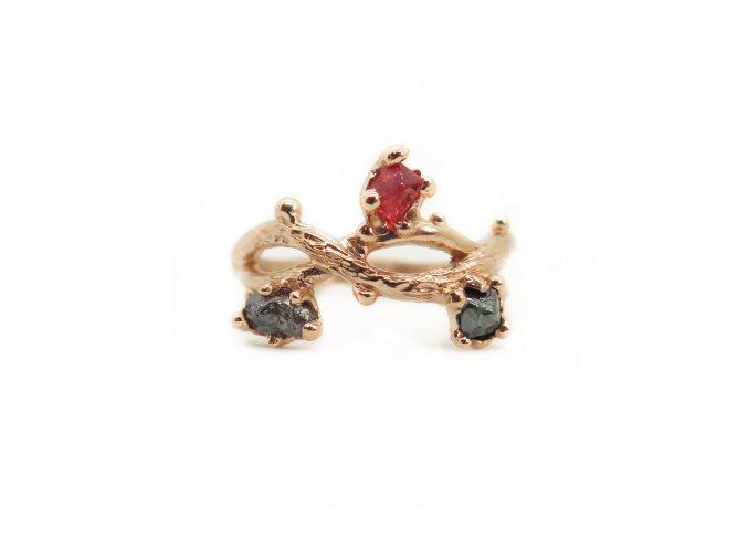 spinel, modrý diamant a šedý diamant