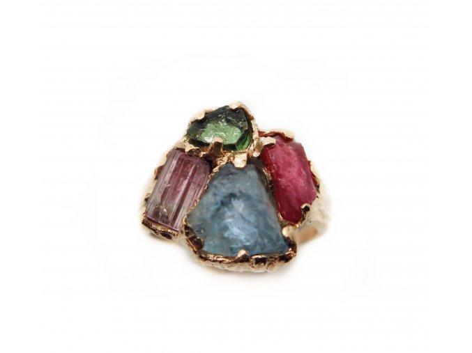 Turmalín, rubín, smaragd, apatit